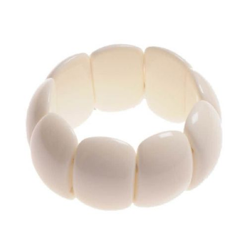 Jackie Brazil Oval Maria Bracelet on Elastic in Cream